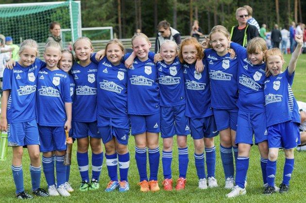 Glade Haugsbygd-jenter i klasse 9-10 år i Ringeriksmesterskapet.