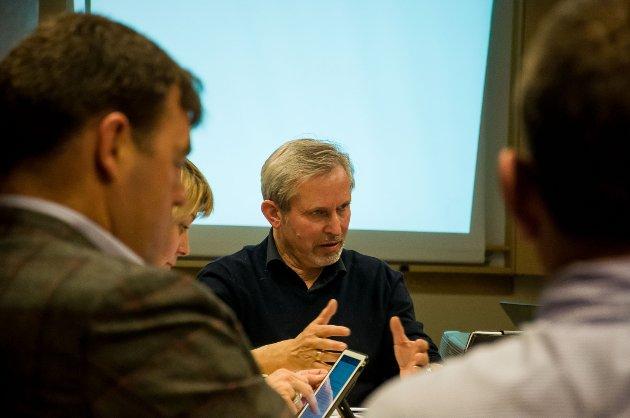Ordfører Per R. Berger, her sammen med sine tidligere partifeller Frederik Skarstein og Elisabeth Klever, og Atle Haglund (Frp).