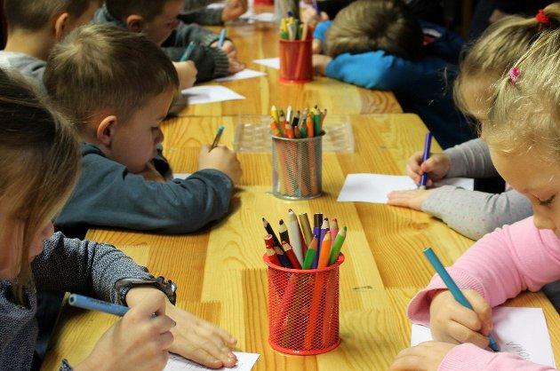 ARBEIDSSTYRKE: – Jeg har vært med på å utvikle en ganske oppegående og kompetent arbeidsstyrke, ved at jeg har jobbet med barneoppdragelse, skriver Anne-Berit Haugen Rijken.