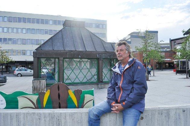 MEST LEST: Vidar Thorbjørnsen (65) har fått utbetalt millionlønn av Vestfold fylkeskommune i årevis, men har fått mindre og mindre å gjøre. De siste tre årene har han jobbet tilnærmet null prosent. FOTO: Asle Rowe