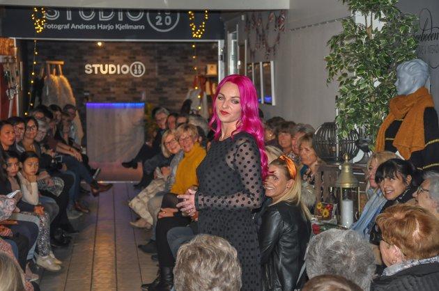 Publikum hentet insprasjon fra spennende hårfryserer og klær.