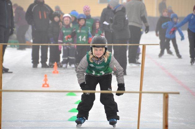KONSENTRERT: Anine Dahl hadde var fokusert på isen.