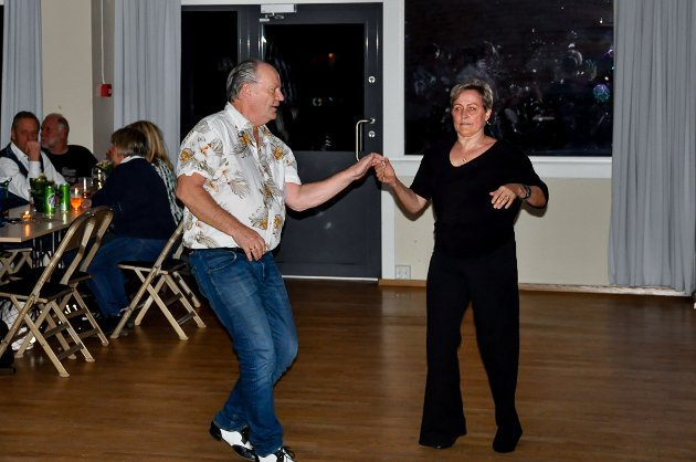 Hanne-Lill og Odd svingte seg på Fjellheim lørdag kveld.