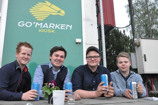 Guttegjengen Vegard Hagen, Marius Korterud, Ole Vammeli og Petter Tasigtil var kanskje noen av de yngre på festivalen, men hygget seg likevel.