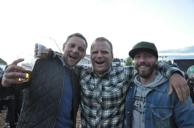 MED PÅ ALT: William Iversen, Ole Morten Ramstad og Marius Odeli hygger seg.  –  Vi er med på alt som er gøy! sier William.