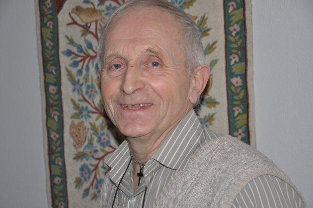 MINNEORD: Bøye Johannes Vigdal fra Luster er død, 75 år gammel.