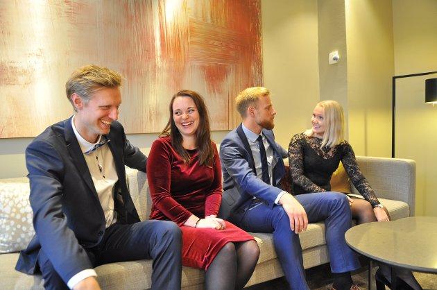 Espen Næss Lund, Silje Lesund, Dan Peter Ulvestad og Marthe Nerbøvik viser årets julemote.