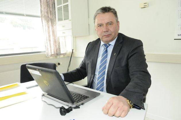 Gjemnes-ordfører Knut Sjømæling er ikke interessert i enda en utsettelse av sykehuset på Hjelset.