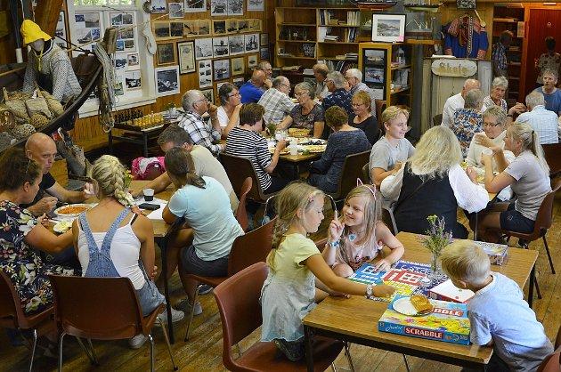 Lille Bøfjorden (300 innbyggjarar) kan dokumentere godt over 50 i snittbesøk på sjøbruksmuseet sine temasøndagar gjennom 27 år. Kva museum i bygd eller by ville ikkje hatt fast oppmøte av nesten 20% av folketalet, spør Bernt G. Bøe.