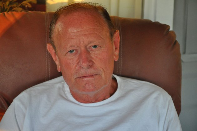 KONTAKTET ADVOKAT: Jan Akerholt er forarget over Forsvarets inngrep i Trandumskogen, der tyskerne henrettet og gravla en rekke norske motstandsfolk under krigen.
