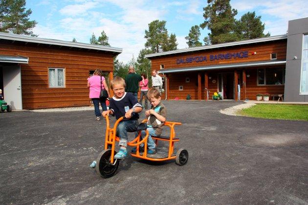 Åpning av ny barnehage i Dalsbygda i 2010. Dalsbygda Bygdekvinnelag vil ikke at barnehagen skal flyttes. Arkivfoto