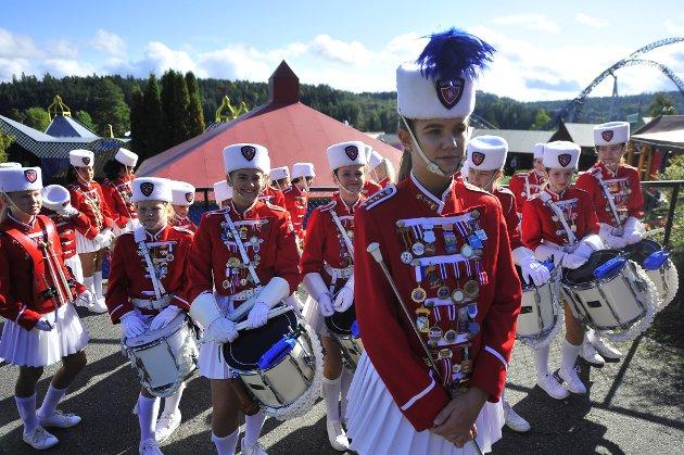 Mer enn 3.300 musikanter fra 110 korps var i helgen samlet på Tusenfrydstevnet. Lørdagen var preget av regnvær. Men da Ås Avis tok turen på søndag, tittet solen fram.