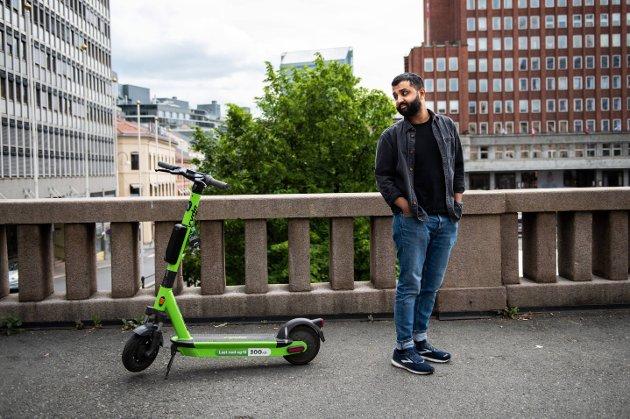 BLØFF: Oslo er en liten by. Det tar 17 minutter å gå fra Majorstuen til Grønland. Elsparkesyklene trengs ikke her, skriver AOs debattredaktør Ahmed Fawad Ashraf