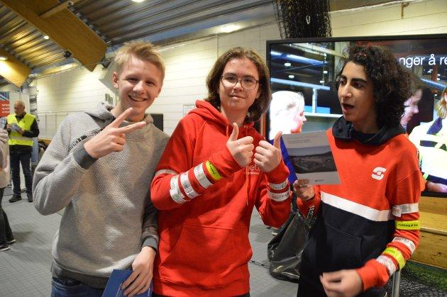 Gabriel Kjeilen (15), Eskil Holmås Merkesdal (14) og Elias Bouchaibi (15) frå Lindås.