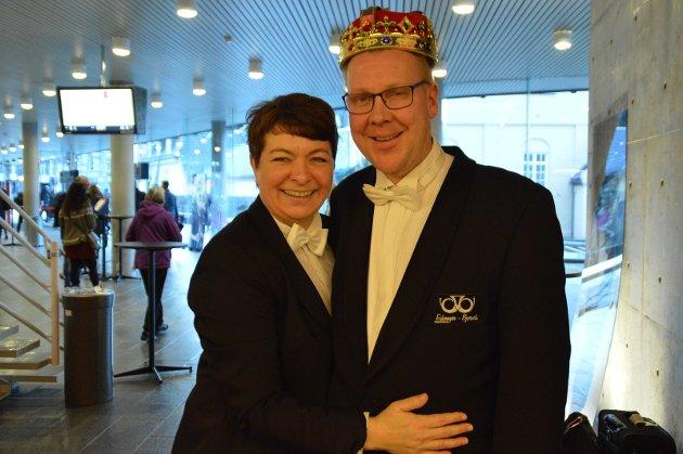 Sølvi Ones (48) saman med Tore Bryne Berg (49) frå Eikanger-Bjørsvik Musikklag. Tore har bursdag.