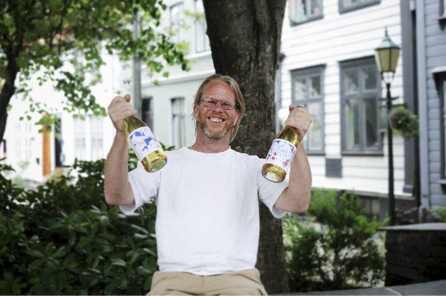 Jan Ove Nes fra Harding Sideri debuterer med den første økologiske sideren fra Hardanger. Nå er hans «Sprudlende» sider tilgjengelig på Vinmonopolet.