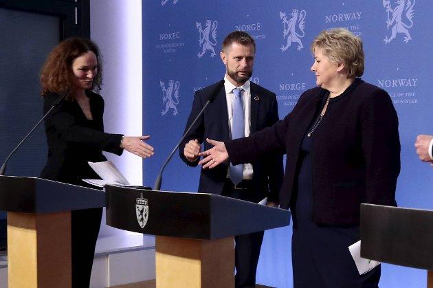 Helseminister Bent Høie grep inn i tide da FHI-topp Camilla Stoltenberg og statsminister Erna Solberg holdt på å bryte koronareglene i mars. FOTO: NTB