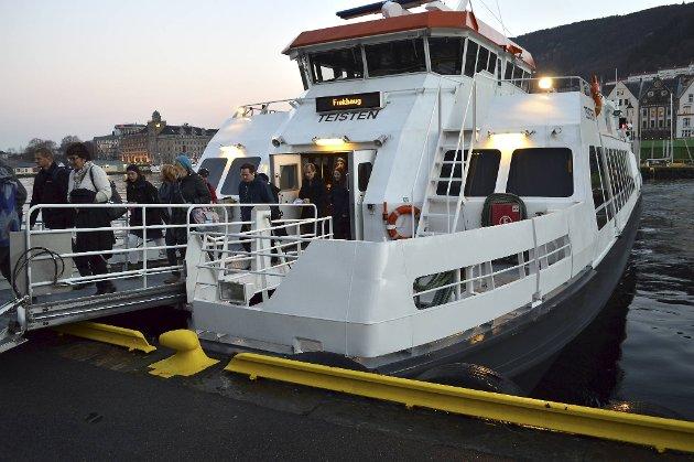 Båtpassasjerene  har mistet busstilbudet fra Strandkai-terminalen.