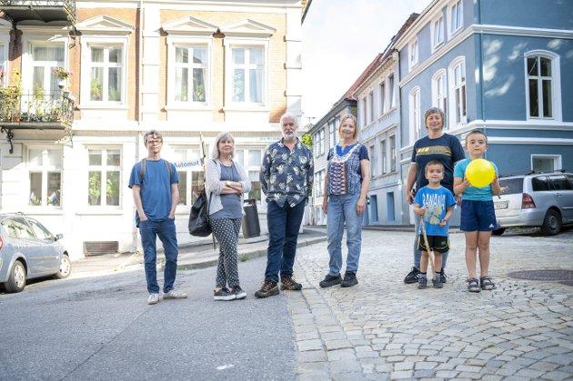 Naboer reagerer på forslaget om nullutslippssoner i Neumannskvartalet og Vågsbunnen. – Har myndighetene vurdert lovligheten av dette tiltaket? spør Erling Gjelsvik.