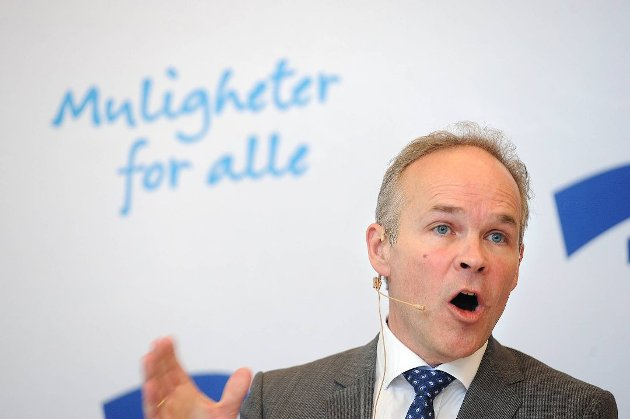 SLÅR ET SLAG FOR YRKESFAG: Jan Tore Sanner (H), kunnskaps- og integreringsminister.