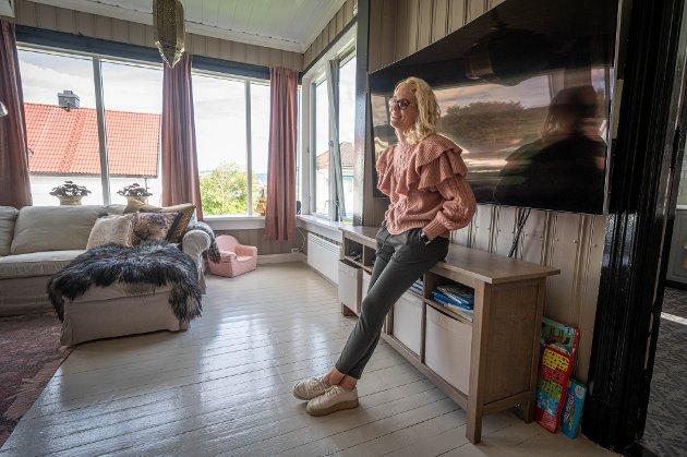 Mari Aronsen (31) og Cato Sundberg (39) bor i første etasje i generasjonsboligen.