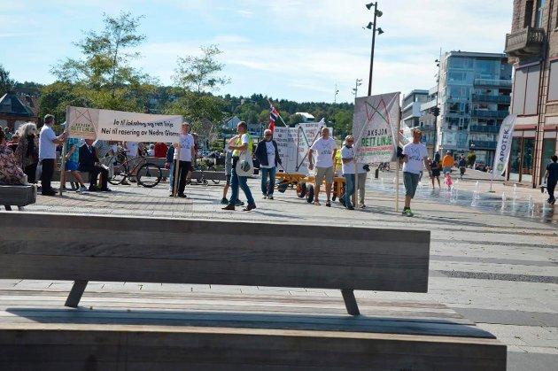 Aksjon Rett Linje markerte sitt standpunkt i Fredrikstad sentrum 27. august i år.