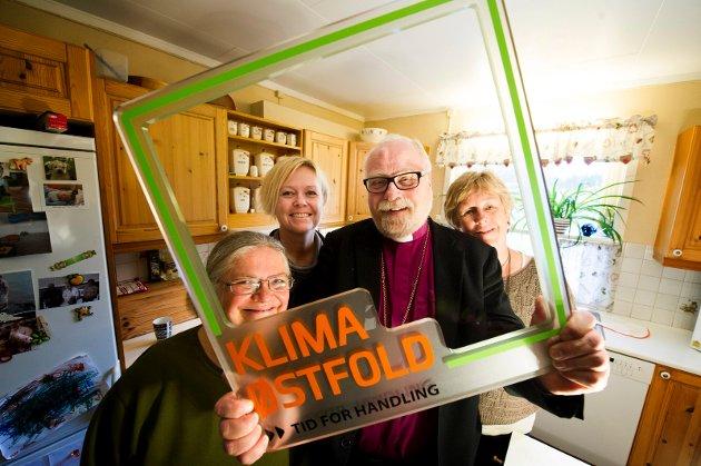 Grønn biskop: Atle Sommerfeldt er tydelig på sitt engasjement for klima og skaperverk. Her er han avbildet idet han fronter en aksjon for strømsparing. – Men landbruk har ikke greie på, ifølge Lise T. Mohr.