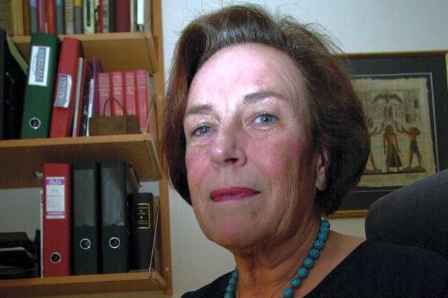 – Liv Daae Gabrielsen var en formidabel kvinne. Første kvinnelige jurist, første kvinnelige politisjef, leder i soroptimistene, leder av første nemd for nærkringkasting, innflytelsesrik og viktig medlem av samfunnet, skriver filmskaper Harald Zwart.