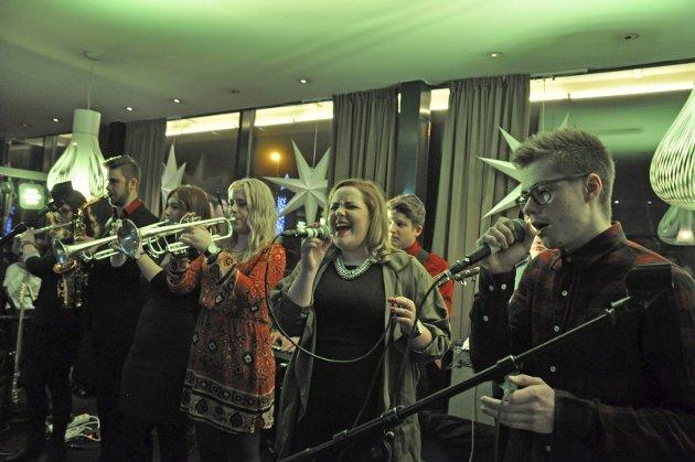 NORDNORSK JAZZ: Romjulsjazzen i Narvik er et eksempel på at musikkformen lever i beste velgående i nord. Her representert ved elever fra Solhaugen. Men det er mørke skyer på himmelen, skriver Nordnorsk Jazzforum.