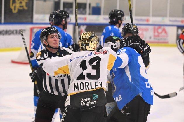 BARKER SAMMEN: Når giganten Stavanger Oilers møter Narvik torsdag, er det, utrolig nok, seriens to svakeste lag så langt som møtes. Her fra forrige sesongs oppgjør.
