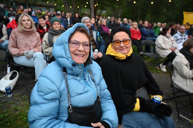 Svanhild Randers er 88 år og stor fan av Violet Road. Hun storkoste seg på konseren lørdag kveld sammen med svigerdatteren Berit Randers.