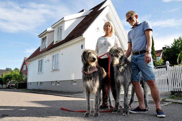 Hadde det ikke vært for at Anne May og Per Ove Tidemansen hadde hunder, ville de aldri oppdaget sin perle i Kiellands gate. Nå er det Tutta og Ullrik som bestemmer.