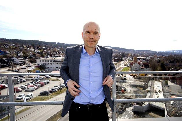 """LILLEHAMMER: Fylkesmann Sigurd Tremoen skal delta i konkurransen om å få nye arbeidsplasser til embetet i Lillehammer - som også pekes ut som hovedsete for den nye stalige regionen """"Innlandet""""."""