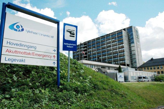SYKEHUS: Det sterke folkelige engasjementet, og deres argumenter gir ett godt grunnlag til å endre standpunktet om at ett hovedsykehus må være en del av den fremtidige sykehusmodellen, skriver partiet Rødt.
