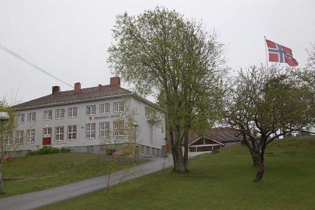 17.mai-feiring. Fredheim skole. Foto: Svein Ludvigsen
