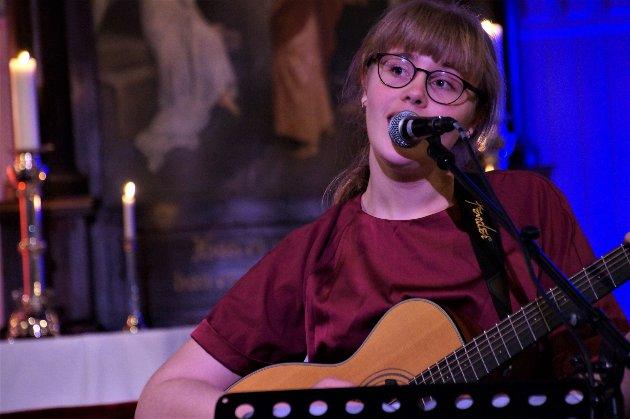 ERFAREN: Ingborg har vært elev ved kulturskolen i ti år. Her framfører hun «Stjernesludd».
