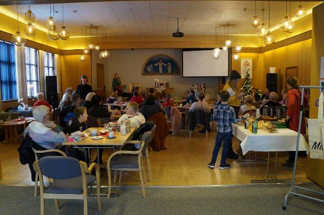 JULEMESSE: Mange store og små koste seg på årets julemesse på Jaren Misjonshus.