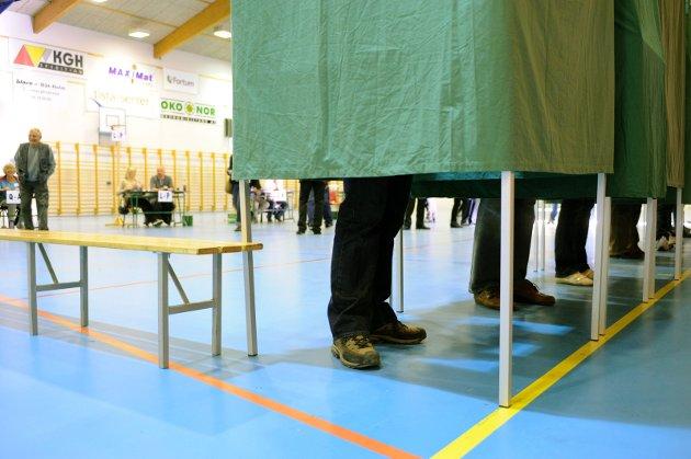 Stor forskjell: Det er langt flere som stemmer ved stortingsvalg enn kommunevalg i Halden. Det er det på høy tid å gjøre noe med, mener Hans-Petter Kjøge. Arkivfoto: Stein Johnsen