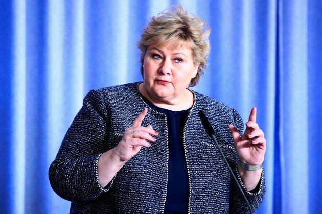 Statsminister Erna Solberg under en pressekonferansen i forbindelse med koronasituasjonen på tirsdag. Foto: Lise Åserud (NTB scanpix)