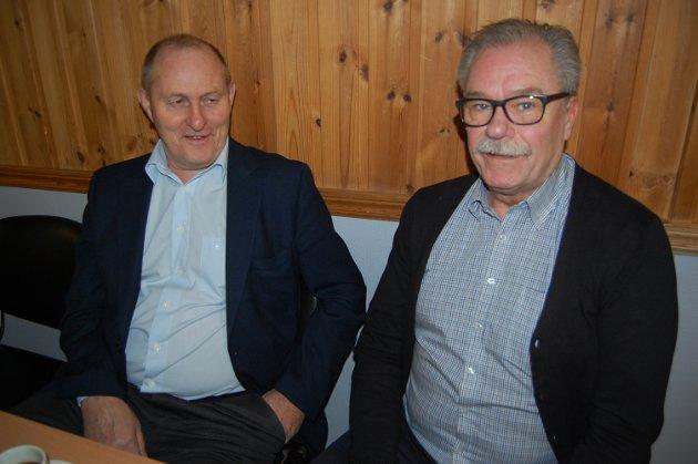 Glade og stolte bestefedre: Fra v.: Bjørn Marlow Lundberg og Åsmund Krogstad.
