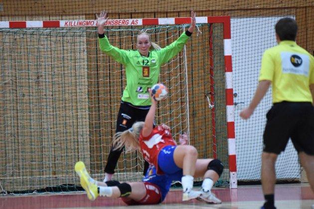 Karoline Warloff leverte en strålende kamp i mål.