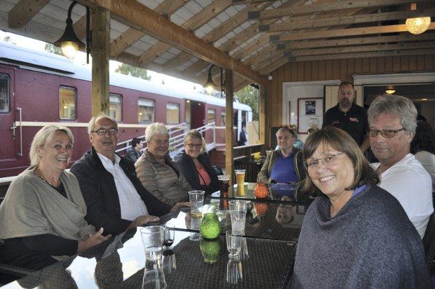 F.v. Bente Skiaker, Erik Skiaker, Kari Solhaug, Sigrunn Strand, Tore Sletten, Finn Stalheim Møller og Ranveig Myrmo.