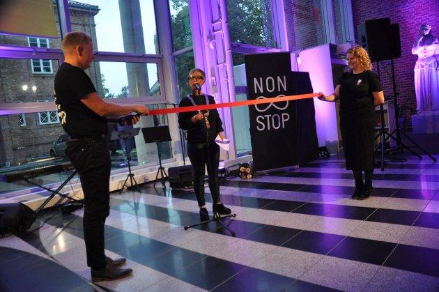 Ordfører Hanne Tollerud åpnet Nonstop-festivalen.