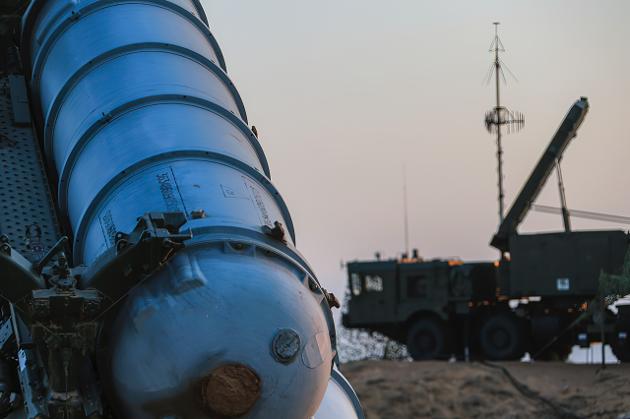 Utviklingen av nye høyteknoilogiske våpensystemer øker faren for konflikt.