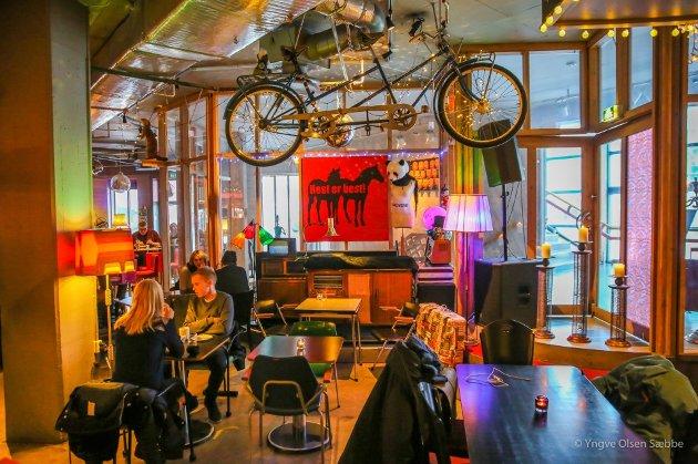 Cafe Sånn er en populær kafe og kan skilte med god mat og kaffe i en travel hverdag. Foto: Yngve Olsen Sæbbe