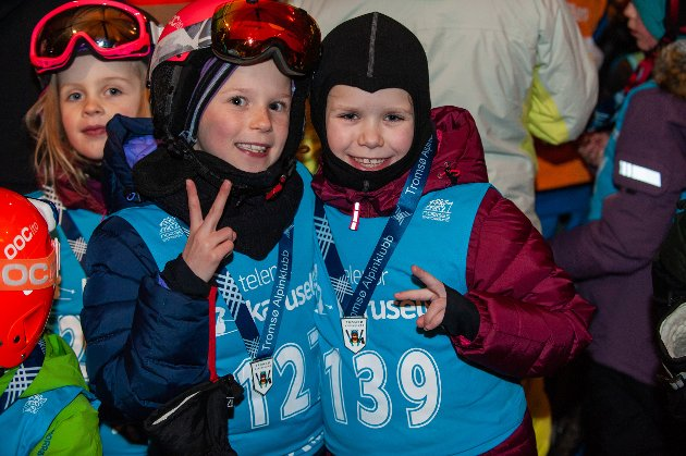 Hedda Nylund og Emilia Baastad var fornøyd med dagen.