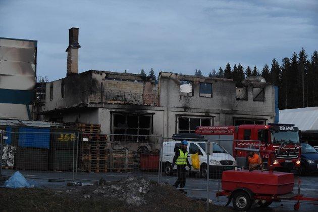 To personer mistet livet i den eksplosjonsartede brannen på Metallco Aluminium på Eina i fredag morgen.