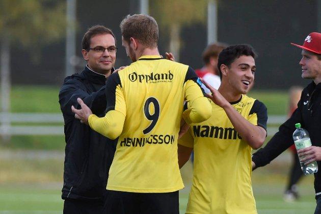 TRENER'N OG TOPPSCORER'N: Christian Johnsen og Anton Henningsson – her sammen med Ryan Doghman (t.h.) – er de to viktigste brikkene i det   som kan bli en jubelsesong for Raufoss.