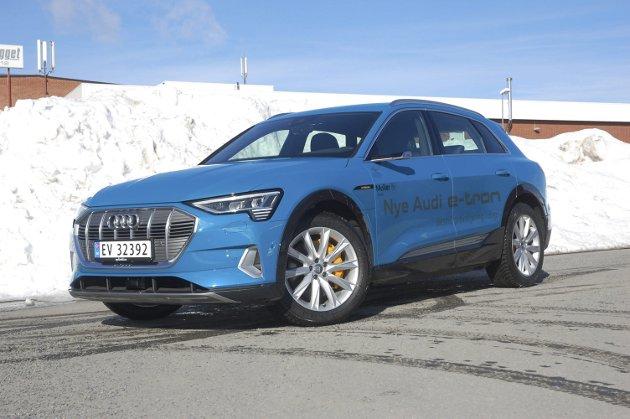 DEN NYE TID: Audi e-Tron 55 Quattro kombinerer på utmerket vis tyske premiumtradisjoner med en elektrifisert bilfremtid.FOTO: ØYVIN SØRAA