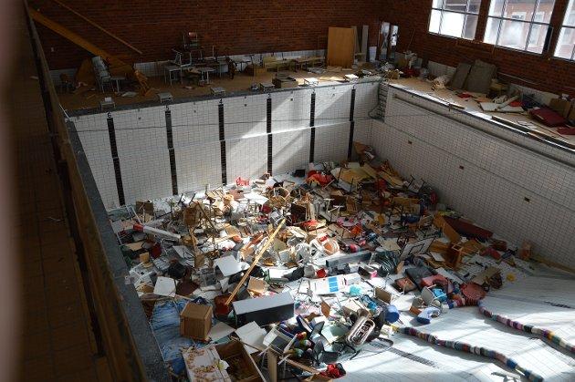 Hærverket på gamle Raufoss skole er så omfattende, meningsløst og systematisk at det bør bekymre mange.